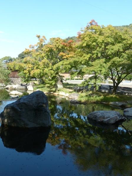 松山城二之丸史跡庭園 林泉庭の池