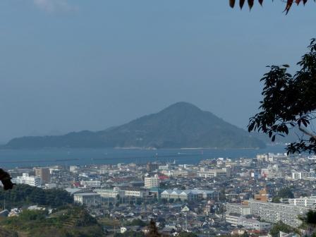 松山総合公園からの眺め 興居島 1