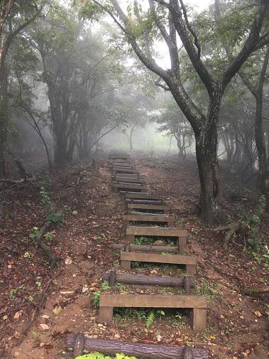 三嶽/階段