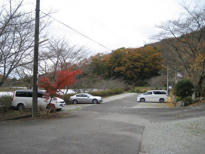 羽束山/駐車場