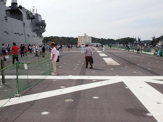 いずも飛行甲板艦08-20160611