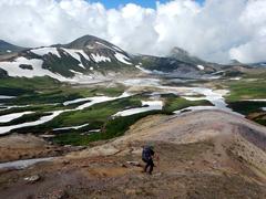 02北海岳付近の雄大な稜線