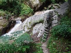 01白沢登山道の急登-s