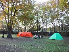 05早朝のキャンプ場-s