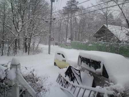 H28.11.24降雪事務所前