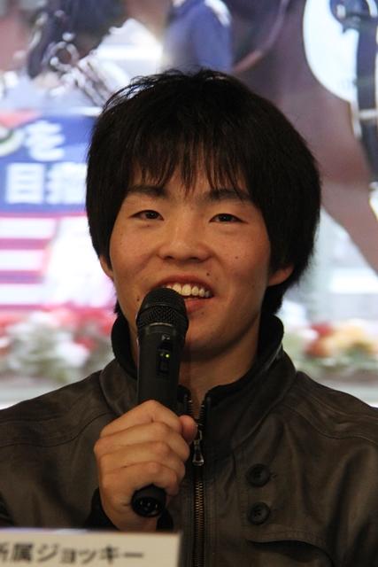 PRをする瀧川騎手
