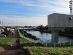 武蔵水路、東京へ流れる