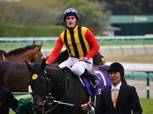 ロゴタイプは香港マイルへ、鞍上はM.デムーロと再コンビ