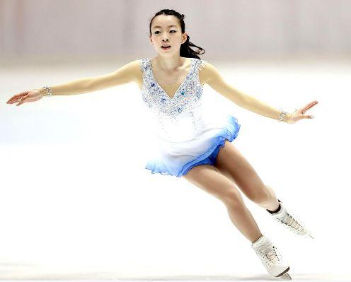 2016.10.10(月祝)スポーツ報知「凱旋3A決めて優勝」
