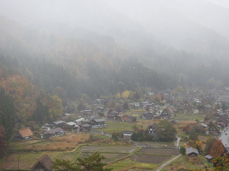 白川郷 初雪11月9日 ②