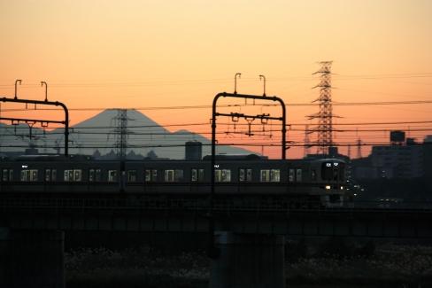 9000系と富士山