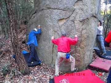 Fマン岩に取り付く皆20161203