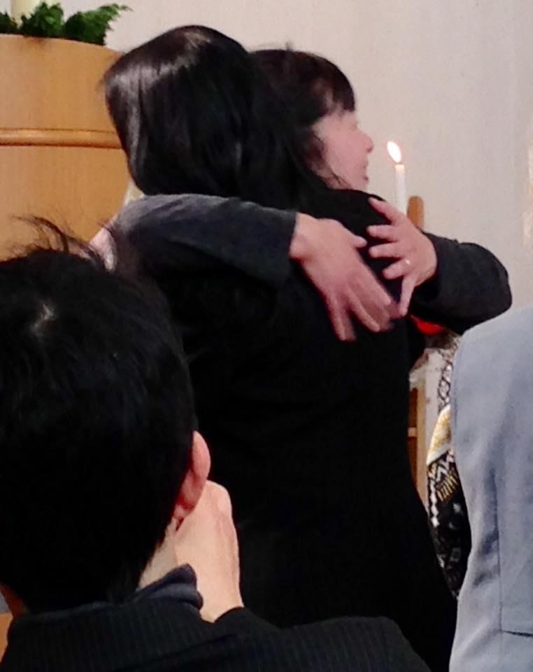 Yumi-chan hug