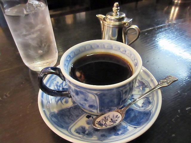 湊川神社のふるもと珈琲店で至福のコーヒーをいただきました。。
