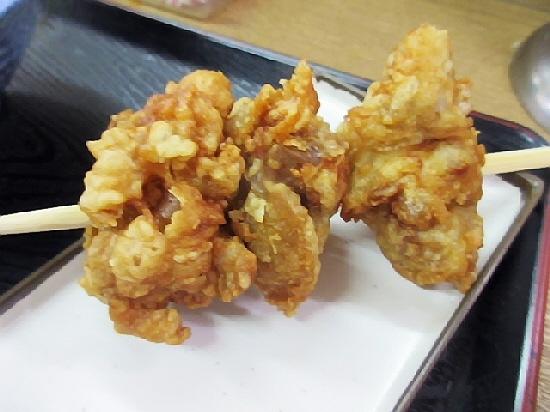 和田岬『味沢』のぼっかけうどんはうまいっすねぇ。から揚げ串が絶品なのも発見。