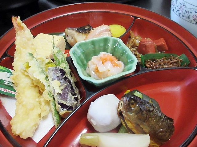 町内会の旅行。お昼ご飯編(#^^#)
