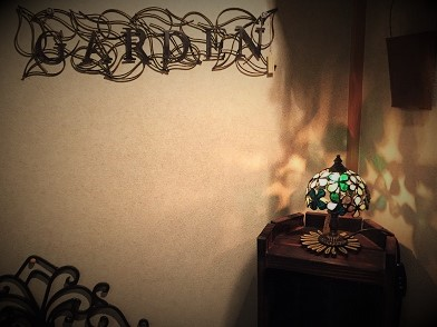 ランプとアイアンガーデン