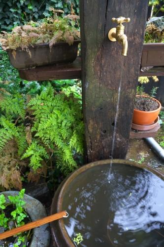 枕木で立水栓_1