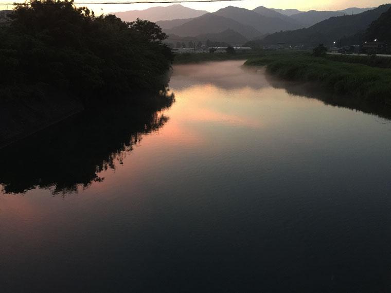 川面夕焼け