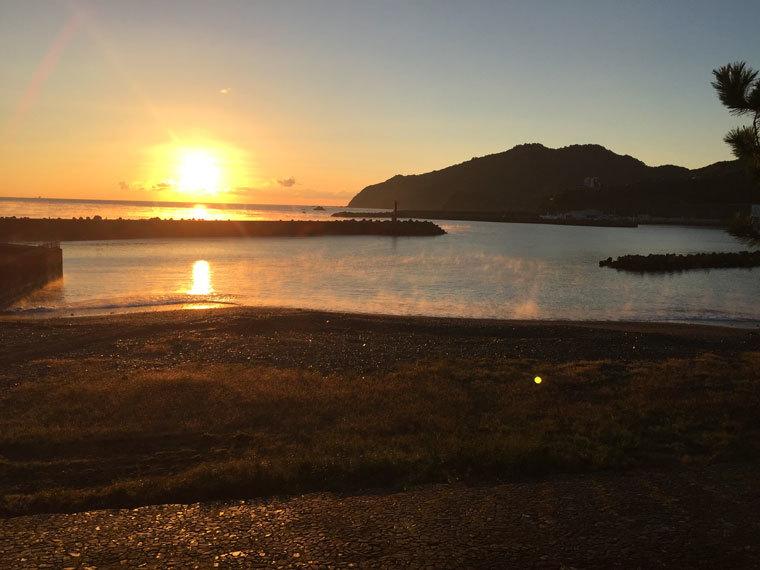 朝陽の浜-2