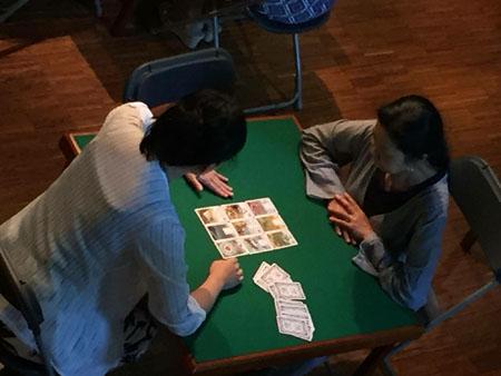 カードミュージアムでカードリーディングをする私達②