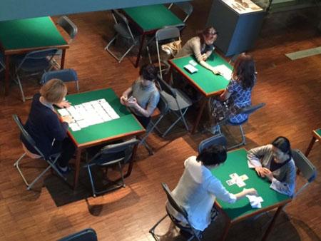 カードミュージアムでカードリーディングをする私達