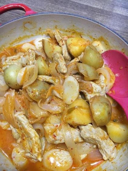 豚肉とジャガイモのキムチ煮