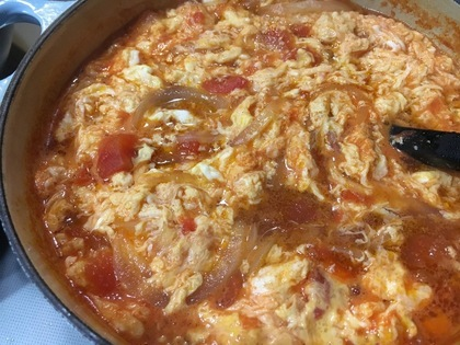 ベーコンとトマトのふわふわ卵スープ