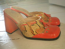 220px-Mules-shoes-1.jpg
