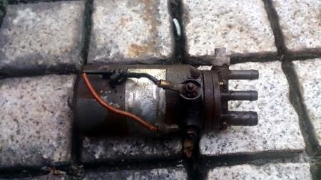 w111 mercedes fuel pump