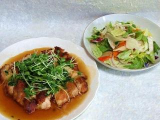 160419_3887鶏ももの和風あんかけソテー・野菜サラダVGA