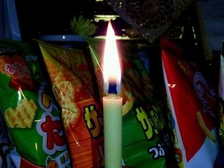 161222_4362父の祥月命日・和蝋燭の灯VGA