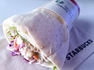 スターバックスコーヒー サラダラップ根菜チキン¥388aa