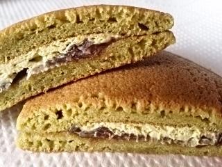 ローソン 宇治抹茶のパンケーキ(つぶあん&抹茶ホイップ)¥140a