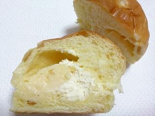 ローソン レモンクリームパン¥140b