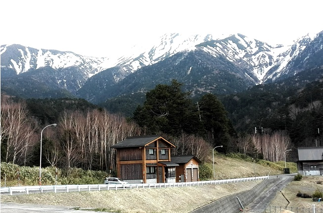11 濁河温泉スポーツレクリエーションセンター前より御嶽山