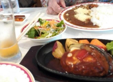 4 昼食 レストハウス