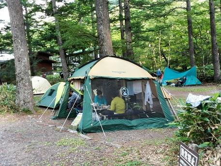 3 小梨平のテント・梓川傍