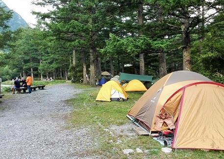 4 小梨平のテント・梓川傍