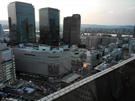 10 グランドビルからグランフロント大阪