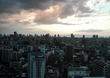4 大阪の夜が更けていく