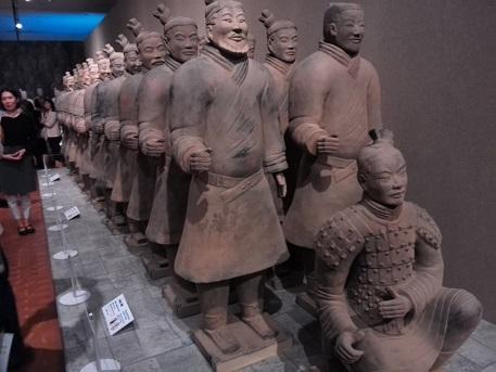 7 兵馬俑・模造品の展示