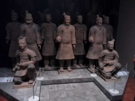 9 兵馬俑・模造品の展示