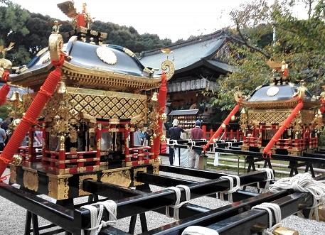 8 本殿と神輿