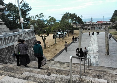 2 川中神社でお祓い終わり