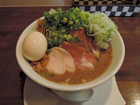 麺.SUZUKI 濃厚魚介豚骨(全部のせ)