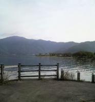 河口湖宿の前