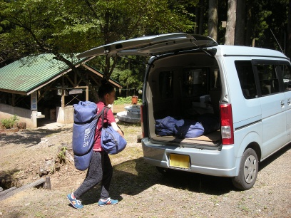 テントを尾花キャンプ場に借りに