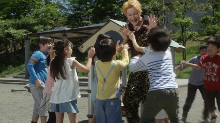 ウルトラ史上初【オーブ】でババルウが人間体&正義の味方!子供達と交流するババルウ(馬場竜次)