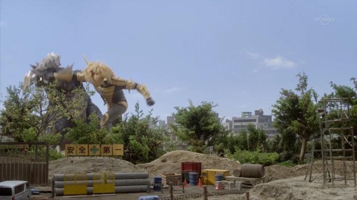 ウルトラ史上初【オーブ】でババルウが人間体&正義の味方!怪獣と闘うババルウ